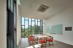 Meeting Room v2